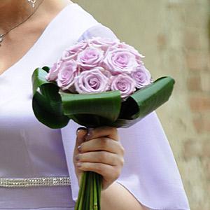 Bouquet Sposa Rotondo.Bouquet Rotondo Formale A Spirale Con Gambi A Vista