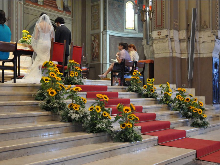 Girasoli Matrimonio Chiesa : Un giardino di girasoli come addobbo nozze